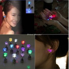 1000 pcs/lot Fast shipping New Fashion Cool Shiny Glowing Led Earrings colourful stud earrings light up Studs Light Party Club(China (Mainland))
