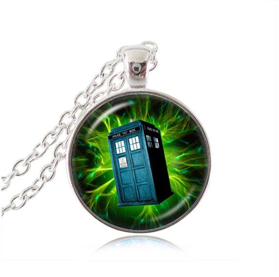 Doctor who pendant necklace green pendant Tardis house Jewelry Time Machine Police box statement necklaces tardis jewellery(China (Mainland))