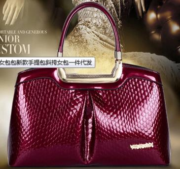 NO.1 2015 Women's Famous Brand Genuine Leather Handbags Fashion Women Messenger Bags Crocodile Patent Leather Handbags Tote SJ13(China (Mainland))