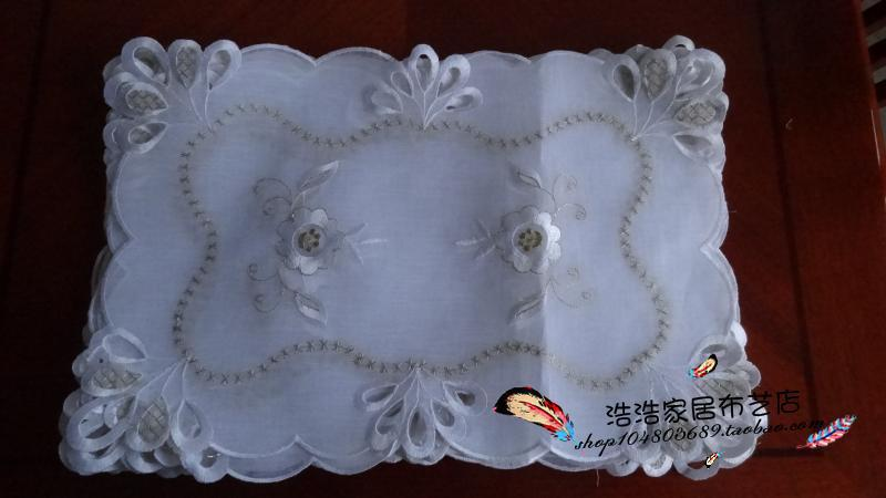 Dining decor beautiful European style Slub yarn flower gold thread embroidery place mat plate coasters vase mat 28 * 43cm(China (Mainland))