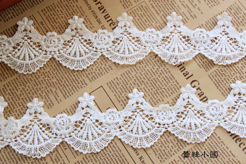 Free shipping, 5cm wide 8yards/lot White Embroidered Scallops Wave Lace Fabric DIY Sewing Accessory(China (Mainland))