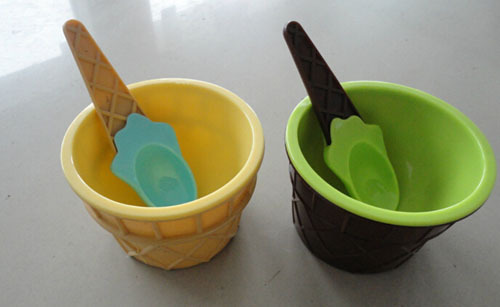 2015Children's Plastic Ice Cream Bowls Spoons Set Durable ICE Cream cup and dessert bowl(China (Mainland))