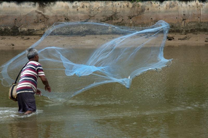Cast net fishing throw fishing net mesh size 2 cm radius1 for Throw nets for fishing