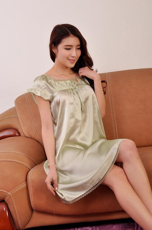 100% pure Silk Pajamas summer elegant nightgowns for women satin black red dress(China (Mainland))