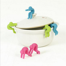 2PCS/set Small People Shaped Lid Insert Candy Color Rubber Inserts Useful Mobile Phone Stands Convenient Cookware