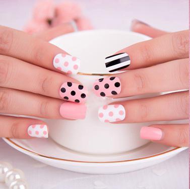 achetez en gros chers faux ongles en ligne des grossistes chers faux ongles chinois. Black Bedroom Furniture Sets. Home Design Ideas