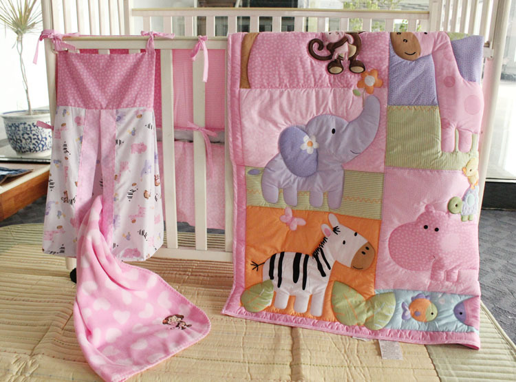 4 6 Items Pink Zoo Pattern Embroidery Baby Bedding Set 100