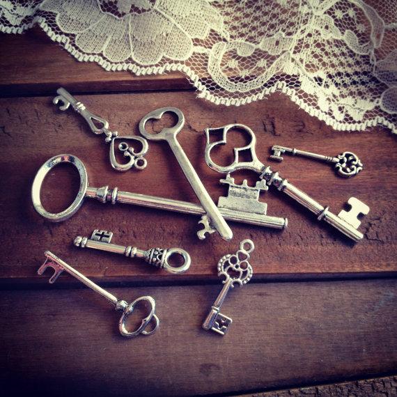 50pcs medium big Skeleton Key Charms ANTIQUE SILVER bronze Key Charm Victorian Key Charm Key Charm Vintage Style Charm<br><br>Aliexpress