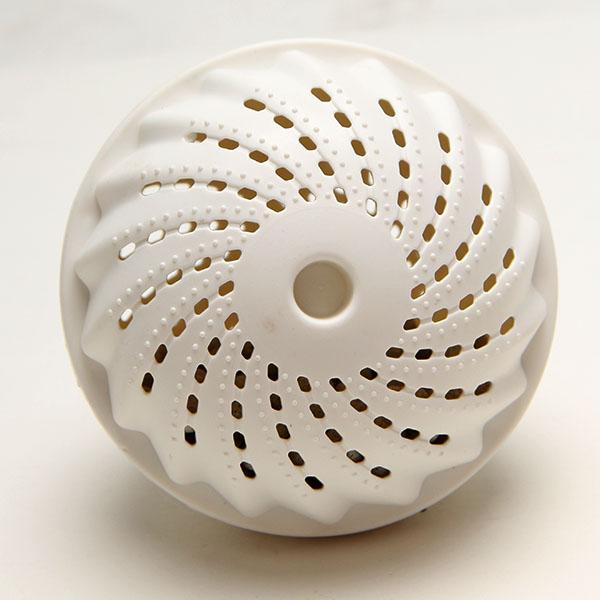 Fashion Hot Magic washing ball Decontamination laundry ball for whole sale and retail box Free shipping(China (Mainland))