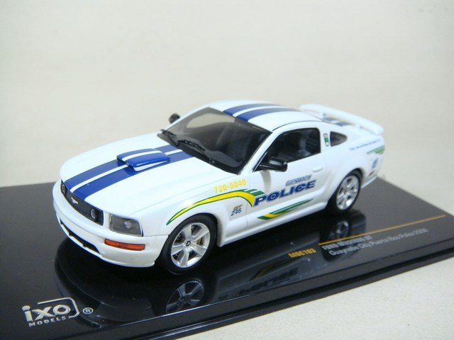 Ixo FORD police car ford mustang gt 2006 car model bag