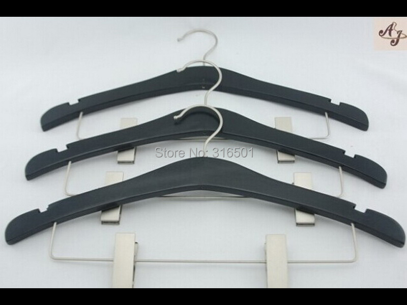 Guangdong factory direct sale black clothes bow shape flat wood hangers with clip(China (Mainland))