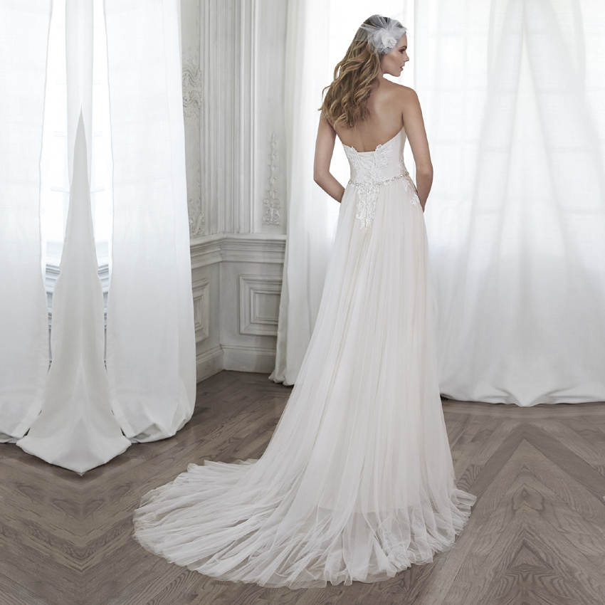 your own wedding dress come in and get discount wedding dress on