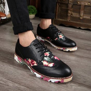 New British Style Pu Leather Men Brogue Shoes Fshion Square Heel Floral Lace Up Flats Shoes Retro Carve Ankle Boots Casual Shoes