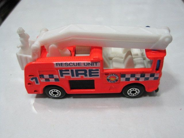 Matchbox out of print global matchbox MB111 elevating fire engine special promotions(China (Mainland))