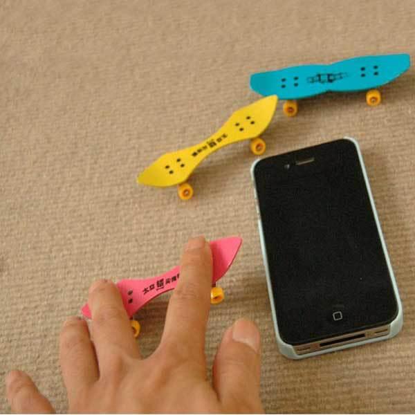BuyNao Cheap Professional Mini Space Aluminum Finger Skate Board Educational Toys(China (Mainland))
