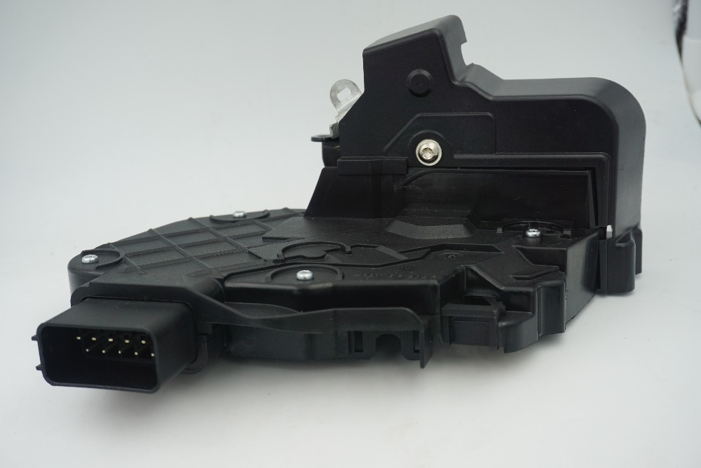 LR011302 LR072414 New rear right car door latch Mechanism for Evoque Freelander 2 Discovery 3/4 Range Rover Sport 05-09/10(China (Mainland))