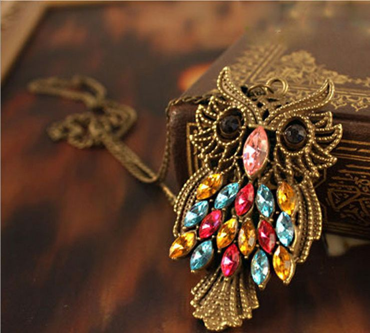 177Long retro sweater chain necklace female owl necklace European and American pop love guard(China (Mainland))