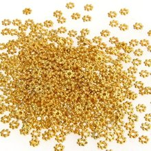 hot sale !500X Gold Tone Daisy Flower Spacer Beads(China (Mainland))