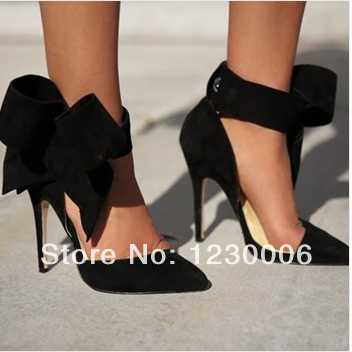 Black High Heels With Bow