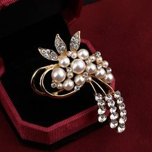 Korean Style Crystal Flower Brooches for Women Rhinestone Elegant Pearl Brooch Pins Summer Dress Accessories Good Color Gift(China)