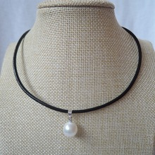 top fashion leather rope  necklace with sea-shell pearl pendant