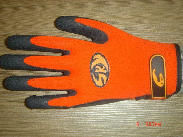 Free shipping New Arrival !!!  Black Latex coated red nylon  non-slip working glove/CE certified
