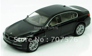 Alloy Models Children Pull Back Model Cars 1:32 sound and light alloy edition Model Car draw back in the toy car