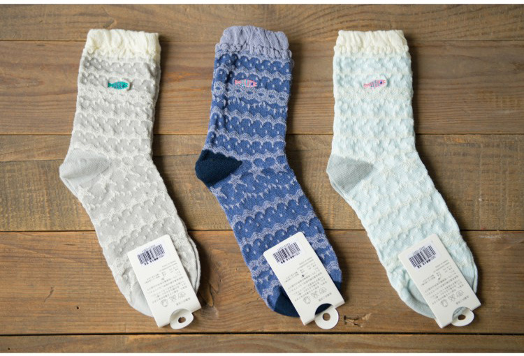 high quality cotton autumn winter lace welt thick thermal novelty creative embroidery pattern ladies women brand casual socks(China (Mainland))