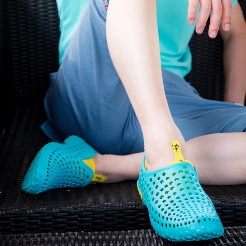 2015 Homens Verão Sandálias Tamancos Sapatos Masculinos Dedo Do Pé Redondo Sapatos de Praia Casuais Cut-out Sandálias De Borracha(China (Mainland))