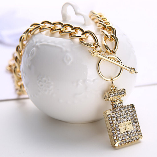 Charm Europe Style Gold Crystal Drill Elegant Perfume Bottle Pendant Necklaces For Women Chunky Chain Jewelry Accessories(China (Mainland))