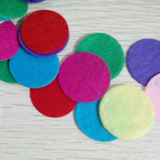 200 pcs 2015 summer style pink blue red colorful essential oil diffuser necklace pads DIY spacers perfume women free shipping(China (Mainland))