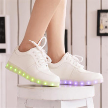 Women casual shoes led shoes for adults 2017 hot colorful women shoes led luminous shoes women(China (Mainland))