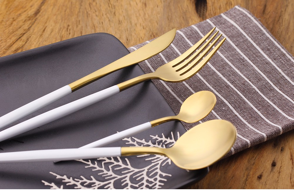 Buy 4Pcs/Set Golden Flatware Set Luxury Cutlery Set 18/10 Stainless Steel Dinner Knife Fork and Spoons Silverware Set Wedding cheap