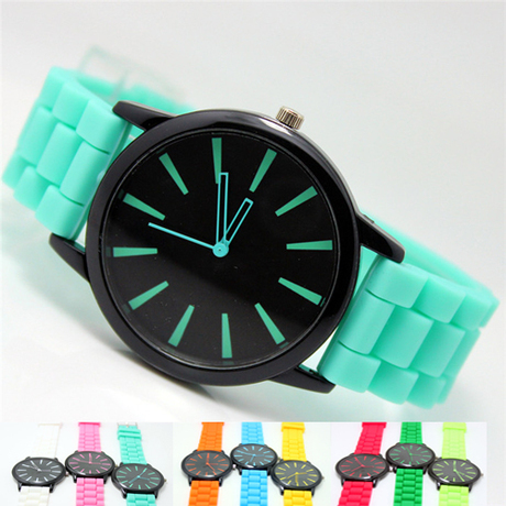 2015 New silicone watches geneva women quartz casual fashion sports watch 15 colors high quality hot sale round dial relogios(China (Mainland))
