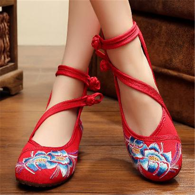 Hot sale Free shipping Old Peking Mary Jane High Top Soft Sole Casual Flats embroidery leisure cloth shoes spring Fall size34-41(China (Mainland))