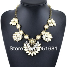 Europe and the magnificent crystal rhinestone necklace pendant gold pattern women fashion necklace gift free shipping 2014(China (Mainland))