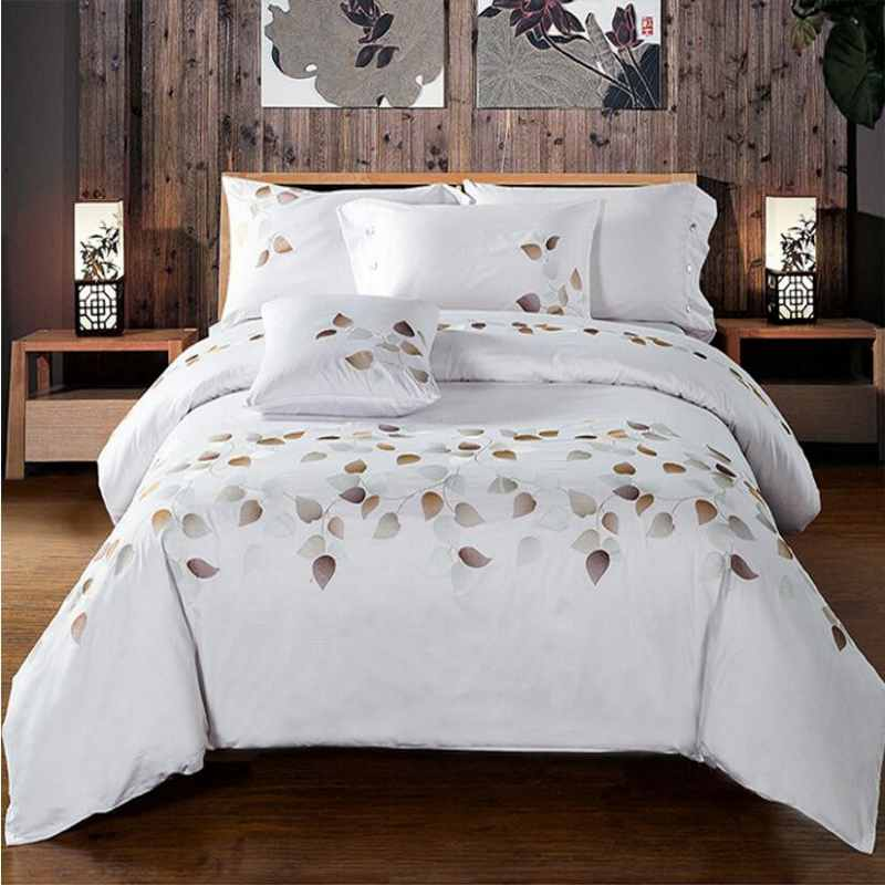 100% Cotton 60S Tribute Silk Bedding Set White Embroidered Duvet Cover Set King Queen Size 4pcs Hotel Bed Sheets Pillowcases(China (Mainland))