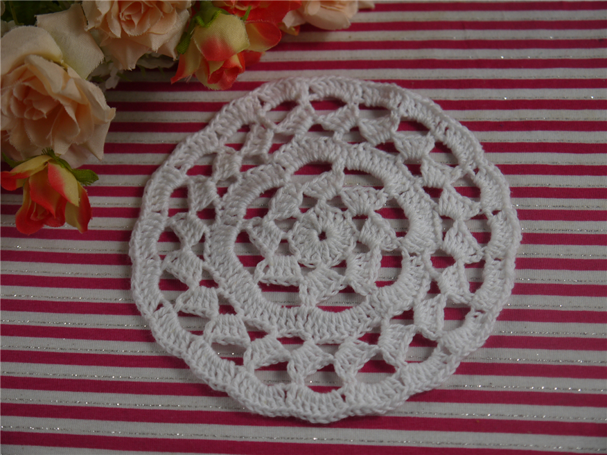 Handmade Crocheted Doilies, 11-13cm Crochet Coasters Placemats Crochet Round Cup custom color(China (Mainland))