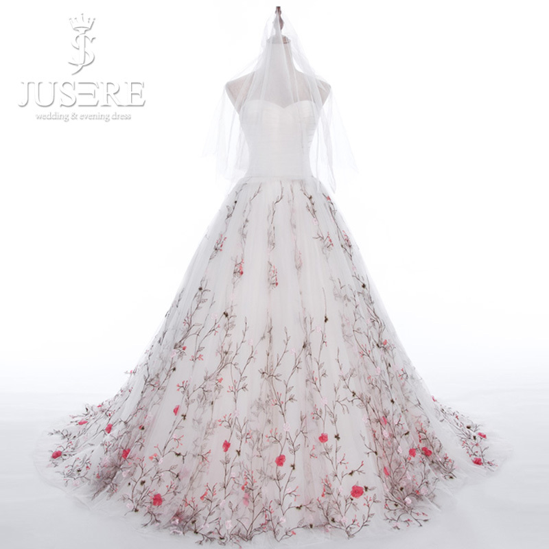 Suzhou guide for wedding dress market ajeinomoto for Flower embroidered wedding dress