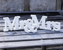 free shipping  Mr and Mrs Signs Mr and Mrs Letters for Sweetheart Table Decor Mr and Mrs Letters, Mr & Mrs Wedding Sign Se(China (Mainland))