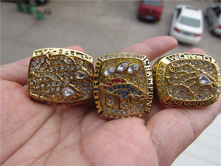 free shipping 1997 1998 2015 Denver Broncos SUPER BOWL RING FOOTBALL REPLIA RING Championship RING 3 pcs together 1 set(China (Mainland))