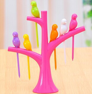 Creative fashion fruit trees stand bird suit fork green fruit is easy to place a sign on behalf of(China (Mainland))