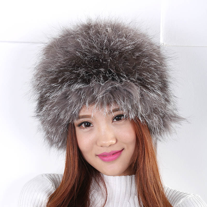 Women autumn and winter hat new British retro Extremely warm wool hat Fashion and generous appearance fur pompom Hat Women(China (Mainland))