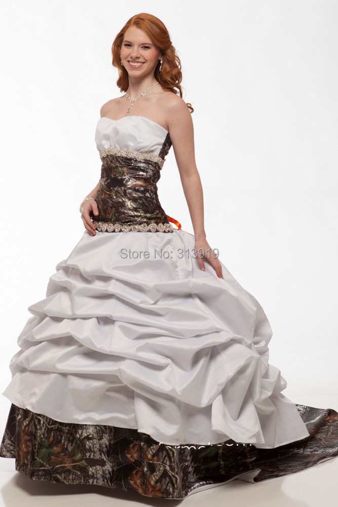 Free shipping 2016 new style strapless camouflage bridal for Where to buy camo wedding dresses