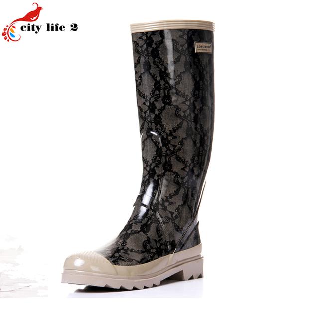 Кружева Колено Высокие Резиновая Новые Прибыл 2016 Осень Высокое Качество Классический Женщины Резиновая Обувь Galocha Chuteira Botas Высокие Сапоги
