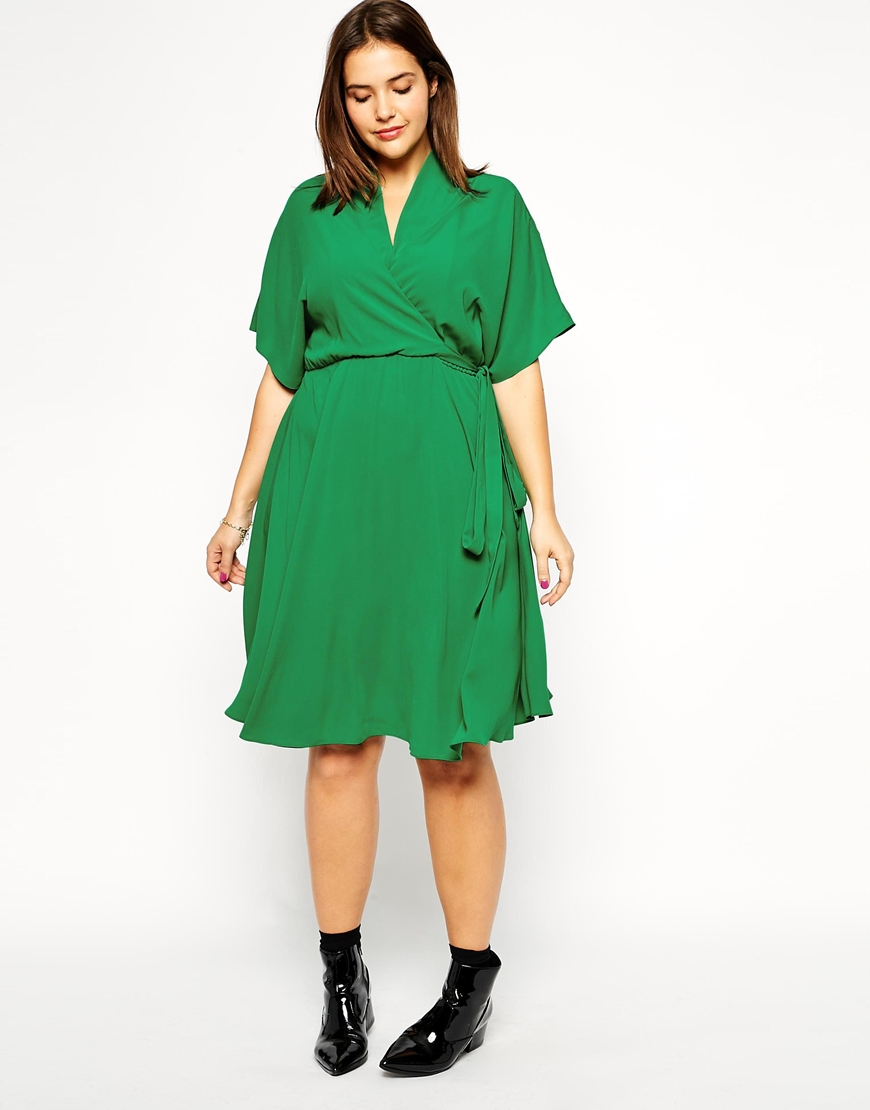 history of plus size dresses