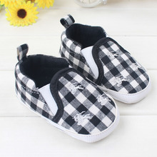 2016 New Lovely Newborn Shoes Comfortable Soft Bottoms Baby Shoes Fashionable Design Breathable Infant Shoes(China (Mainland))