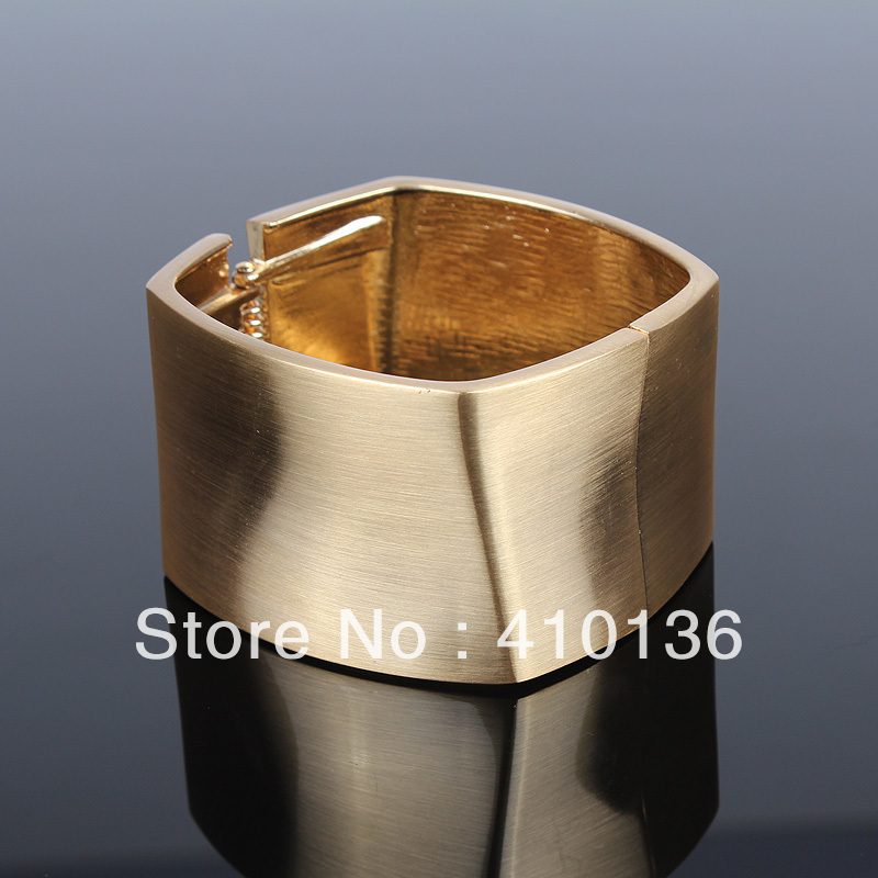 YL006 Fashion Cube Bangle Bracelet Gold Plated Top High Qulity Classic Design New Arrival Free Shipping(China (Mainland))
