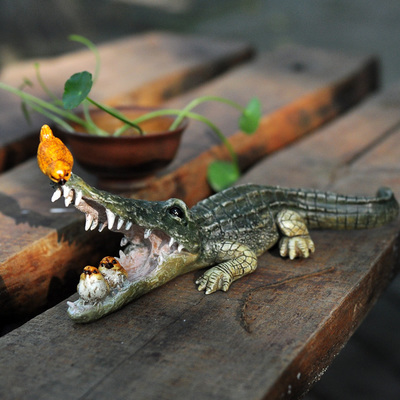 Lifelike Crocodile And Birds Living Room / Garden Decoration Top Quality Resin Crafts Balcony Decor Free Shipping(China (Mainland))