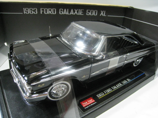 The sun star /SunSatr 1:18 1943 GALAXIE 500 XL alloy models Ford muscle(China (Mainland))